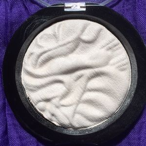 Makeup Revolution Makeup - Makeup Revolution Strobe Highlighter